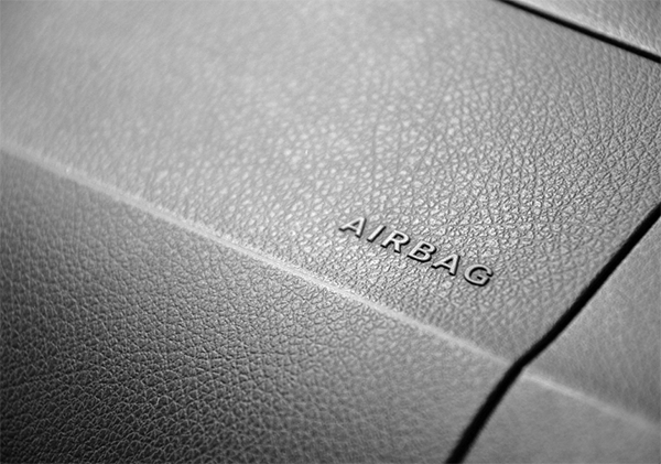 SUZUKI Safety - Airbags keep you protected